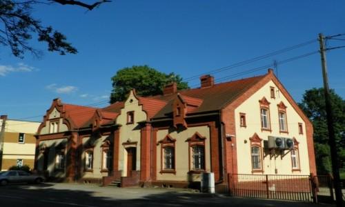 Zdjecie POLSKA / Górny Śląsk / Rudy Wielkie, powiat raciborski, województwo śląskie / Budynek dawnej