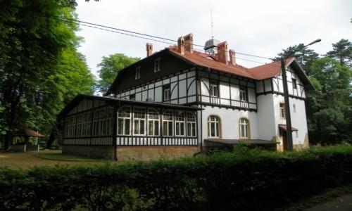 POLSKA / Śląsk Opolski / Brzeg, województwo opolskie / Budynek Nadleśnictwa w Parku Wolności, z lat 1909-10