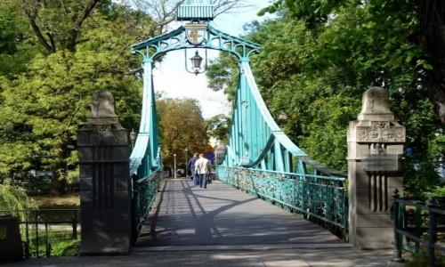 POLSKA / opolskie / Opole / Zabytkowy most pieszy