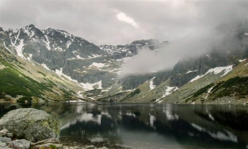 POLSKA / Tatry / Czarny Staw Gąsienicowy / we mgle