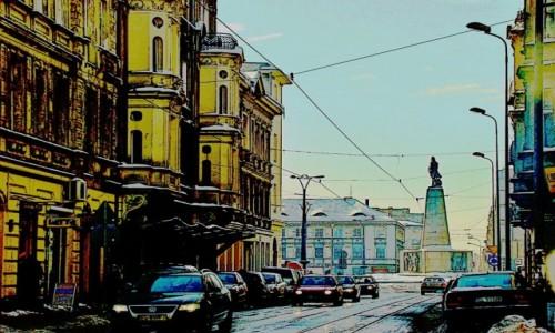 Zdjecie POLSKA / województwo łódzkie / Łódź / Łódź-plac Wolności z pomnikiem Kościuszki,widziany z ul.Pomorskiej