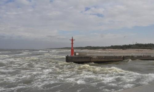 Zdjęcie POLSKA / Pomorskie / Rowy / Rowy, wejście do portu
