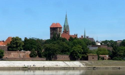 Zdjęcie POLSKA / kujawsko pomorskie / Toruń / Miasto widziane z lewej strony Wisły