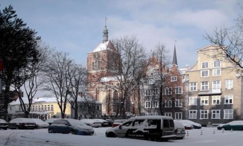 Zdjęcie POLSKA / Pomorskie / Gdańsk / Podwórko w okolicy kościoła św. Jana