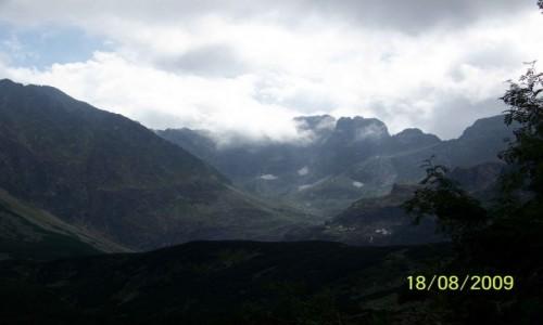 Zdjęcie POLSKA / - / Tatry Wysokie / Surowe, majestatyczne, spowite chmurami