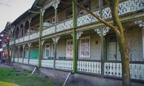 Zdjęcie POLSKA / kujawsko pomorskie / Ciechocinek / Zabytkowy budynek drewniany.