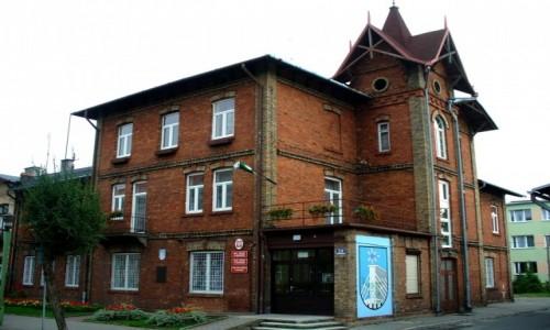 POLSKA / kujawsko pomorskie / Ciechocinek / Zabytkowy budynek urzędu miasta.