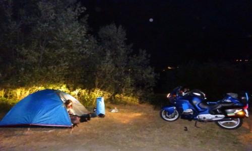 POLSKA / kierunek Bałkany / Białka / nocny obóz