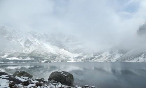 Zdjęcie POLSKA / Tatry / Czarny Staw Gąsienicowy / Siwo mgła