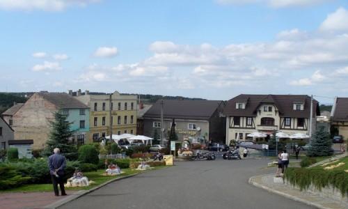 Zdjęcie POLSKA / opolskie / Góra św. Anny / Ryneczek poniżej klasztoru