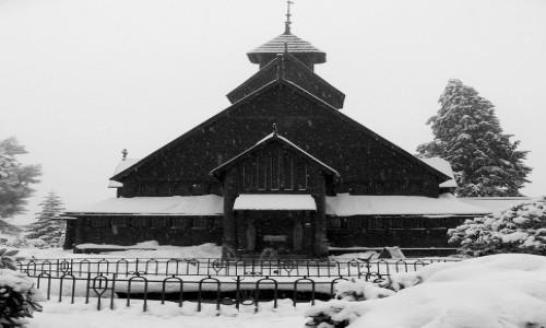 Zdjecie POLSKA / dolnoślaskie / Karpacz / Wang w zimowej szacie