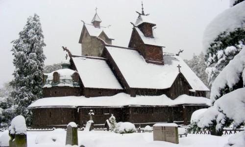 Zdjecie POLSKA / dolnoślaskie / Karpacz / Wang na zimowo