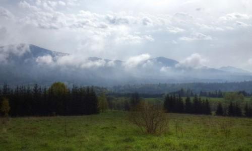 POLSKA / Podkarpadzkie / Bieszczady / Jeszcze za chmurami