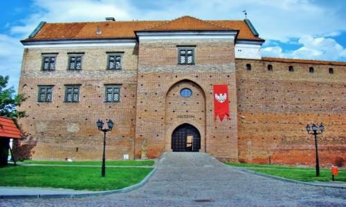 POLSKA / województwo łódzkie / Łęczyca / Zamek Królewski z XIV wieku