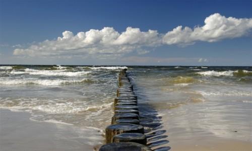 Zdjęcie POLSKA / zachodniopomorskie / Międzywodzie / pogodny dzień nad Bałtykiem
