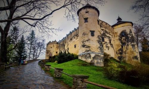 Zdjecie POLSKA / Spisz / Niedzica / zamek w deszczowy dzień