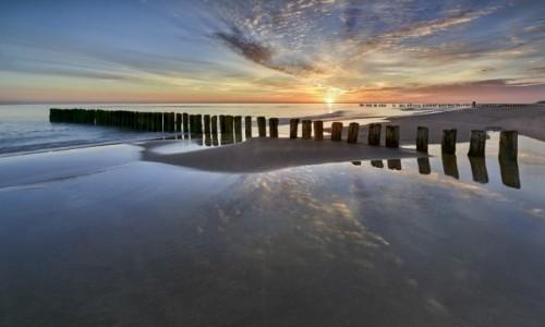 POLSKA / Morze Bałtyckie / Chałupy / Budzi sie dzień