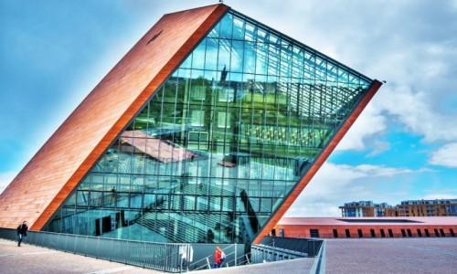 Zdjecie POLSKA / Pomorze / Muzeum II Wojny Światowej / wejście