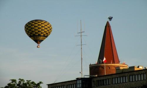 Zdjecie POLSKA / opolskie / Opole / Balon obok Wieży Piastowskiej