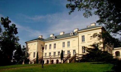 Zdjęcie POLSKA / województwo łódzkie / Walewice / Pałac Walewskich z tyłu