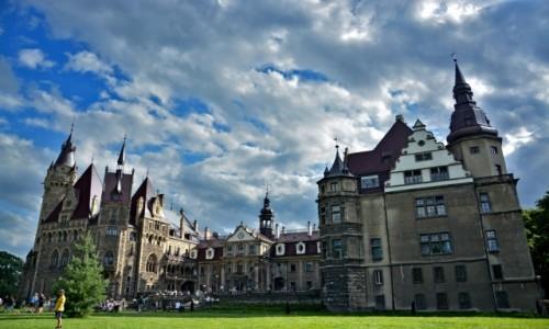 Zdjęcie POLSKA / Opolskie / Moszna / Pałac w Mosznej