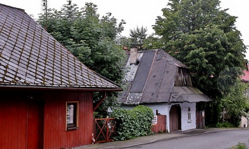 POLSKA / województwo małopolskie / Lanckorona / Lanckorona-drewniane chaty z XIX wieku