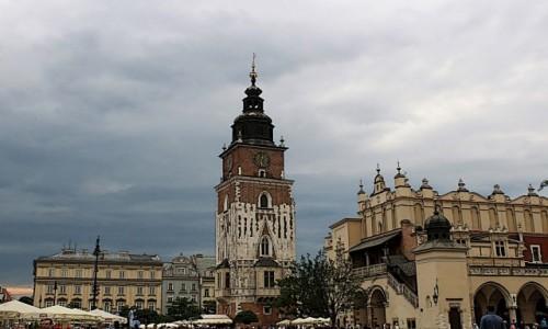 POLSKA / województwo małopolskie / Kraków / Rynek Główny-wieża ratuszowa z XIV wieku