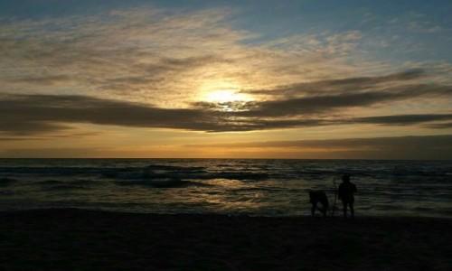 POLSKA / pomorskie / Kołobrzegu  / Oczekiwanie na zachód słońca