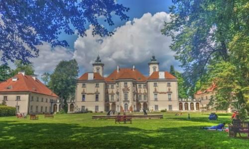 POLSKA / mazowieckie / ... / Podwarszawski pałac