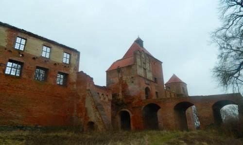 Zdjecie POLSKA / Pojezierze Iławskie. / Szymbark koło Iławy. / Szymbark - zamek gotycki z XIV w.