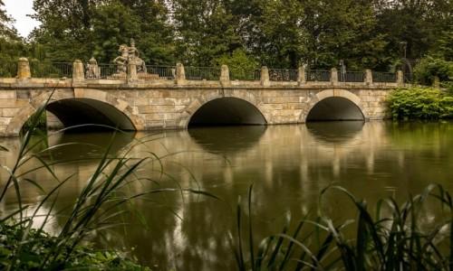 Zdjecie POLSKA / mazowsze / Warszawa / mostek z pomnikiem Jana III Sobieskiego