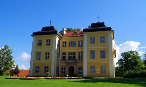 Zdjecie POLSKA / dolnośląskie  / Łomnica / - zamek w Łomnicy -