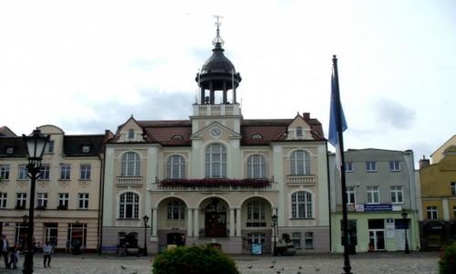 POLSKA / pomorskie / Wejherowo / Ratusz w pochmurny dzień