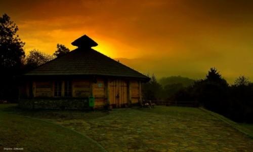 Zdjęcie POLSKA / Beskidu Niskiego / Wysowa / Góry we mgle!