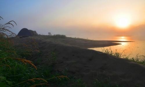 Zdjęcie POLSKA / woj. świętokrzyskie / okolice Zawichostu / Świt na wysepce
