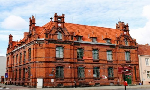 Zdjecie POLSKA / województwo kujawsko-pomorskie / Chełmno / Budynek poczty z XIX wieku