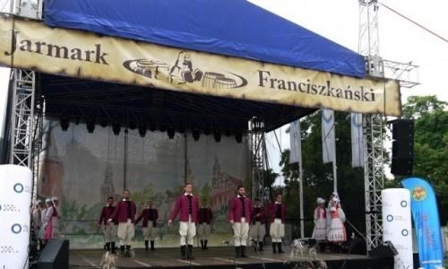 Zdjęcie POLSKA / opolskie / Opole / Na scenie uczestnicy