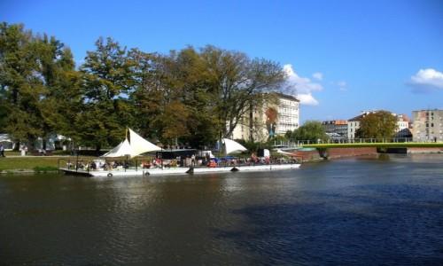 Zdjęcie POLSKA / dolnoślaskie / Wrocław / Bar piwny na wodzie