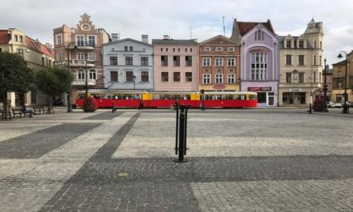 Zdjęcie POLSKA / Kujawsko-pomorskie / Grudziadz / Czerwony tramwaj