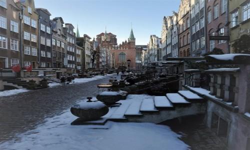 Zdjęcie POLSKA / Gdańsk / Ulica Mariacka / Przyprószona śniegiem