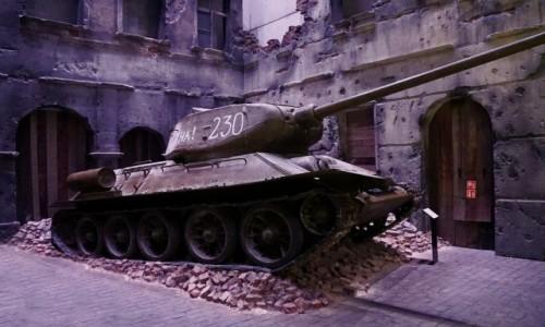 Zdjecie POLSKA / Gdańsk / Muzeum II Wojny Światowej  / Fragment ekspozycji - Czołg średni T-34
