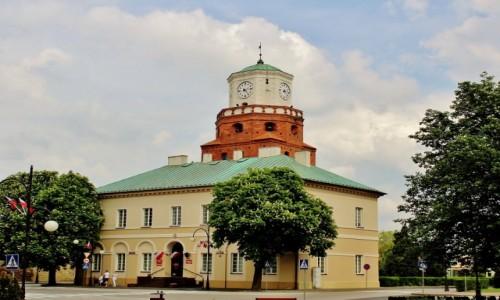 Zdjecie POLSKA / województwo łódzkie / Wieluń / Ratusz i Brama Krakowska