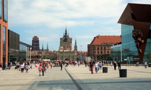 POLSKA / Pomorze / Forum Gdańsk / Widok na miasto