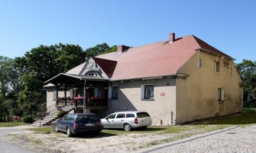 Zdjecie POLSKA / opolskie / Psurów / Zabytkowy dworek