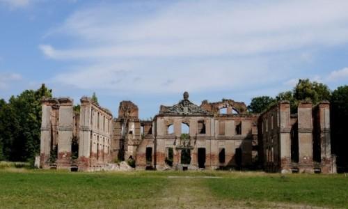 Zdjecie POLSKA / warmińsko- mazurskie / Kamieniec / Ruina pałacu