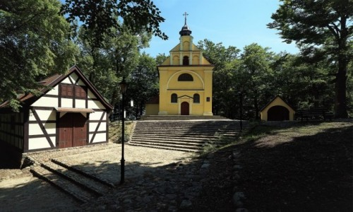 Zdjecie POLSKA / Pomorze / Kalwaria Wejherowska / Kaplica Matki Boskiej Bolesnej i Kościół Trzech Krzyży