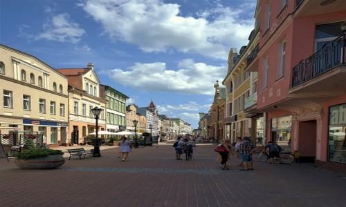 POLSKA / Pomorze / Wejherowo / Na deptaku