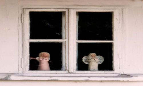 Zdjecie POLSKA / Małopolska / Lanckorona / Anielskie okno