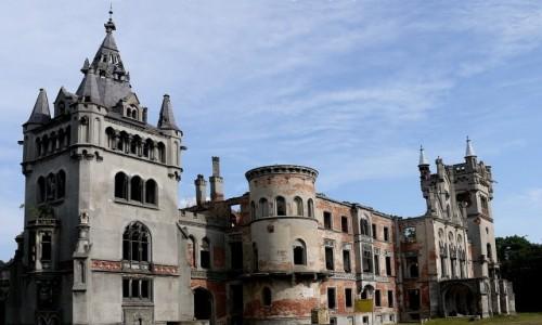 Zdjęcie POLSKA / opolskie / Kopice / Pałac ruina, nadal fascynuje