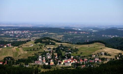 Zdjęcie POLSKA / dolnośląskie / Boguszów-Gorce / Boguszów-Gorce, w dali, Wałbrzych